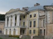 фасад дворца Вороновица