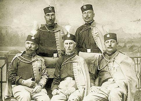 «Черная рука». Драгутин Димитриевич — правый в верхнем ряду