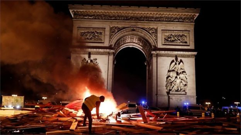 france chaos 0001 1000