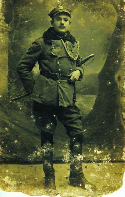 Подарунок Ивану. Такую надпись сделал на обороте этого фото солдат-украинец, служивший в польской арми