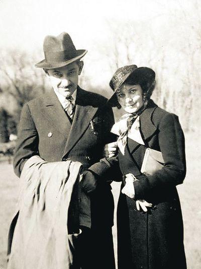 Донцов с любовницей Оленой Телигой. Идеолог писал<br /> всякую чушь и весело развлекался с женщинами