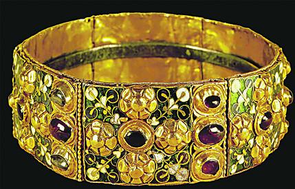 Железная корона лангобардов — ею короновался Наполеон как первый король Италии