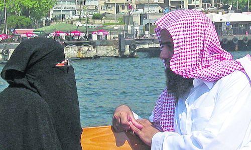 Восточная любовь. Такие арабские лица можно встретить в Стамбуле