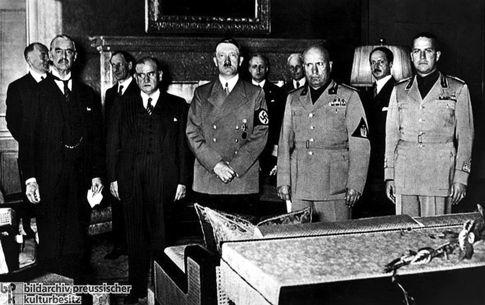 Мюнхенская четверка. Чемберлен, Даладье,<br /> Гитлер, Муссолини