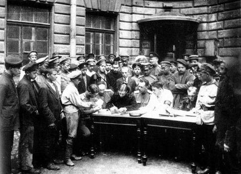 Осень 1919-го. Киевляне записываются в белуюДобровольческую армию