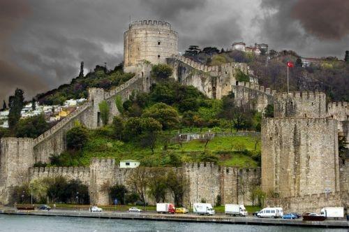 Стены Константинополя. И сегодня производят впечатление. А каково было Аскольдус Олегом!