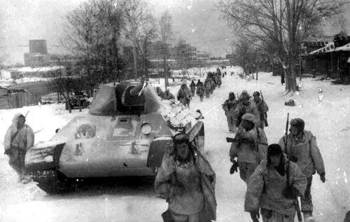 Под Москвой. Контрнаступление сибирских дивизий, переброшенных с Дальнего Востока, стало возможным благодаря Рихарду Зорге