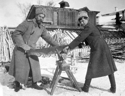 Николай II и царевич Алексей. Выбор частной жизни стал ошибкой