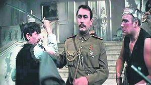 Штабс-капитан Чечиль. Его прототипом был полковник Грудина, передавший атаманам оружие