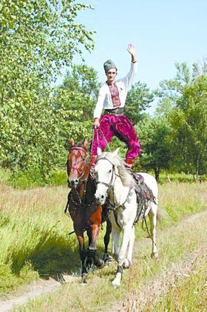 Дерби по-украински. Все время пытаемся ускакать сразу на двух конях
