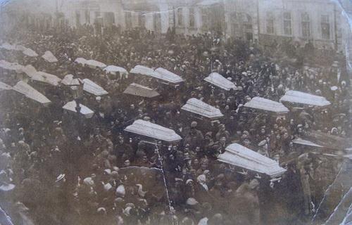Похороны<br ></img>погибших в Одессе. Между ОСР и Центральной Радой тут шли жестокие бои.