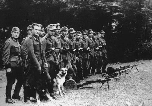 Бойцы УПА в 1944 г. Тогда они понесли самые большие потери — 38 087 убитыми и 31 808 пленными