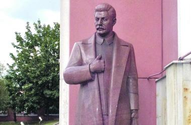 Сталин: «Никогда не думай, что можно разделить людей на чисто красных и чисто белых»