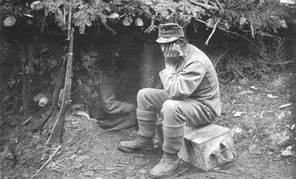 Гора Макивка, 1915 г. Так выгляделипозиции сечевых стрельцов во время двухмесячных боев за эту карпатскую вершину