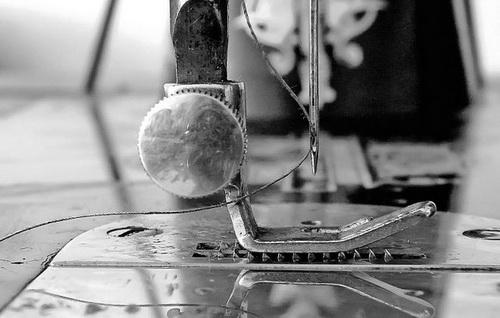 Массовое производство. Иголку для швейной машинки придумали только в 1814 году — для нужд армии