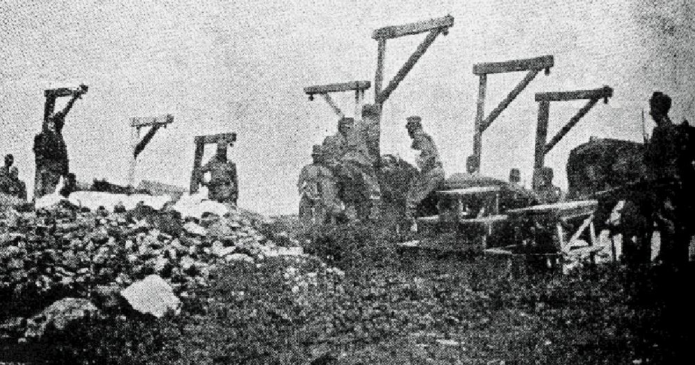 Виселицы от «доброго цісаря». По словам очевидцев, в 1914 г. путь отступления австрийцев в Галичине был уставлен виселицами для «русофилов»