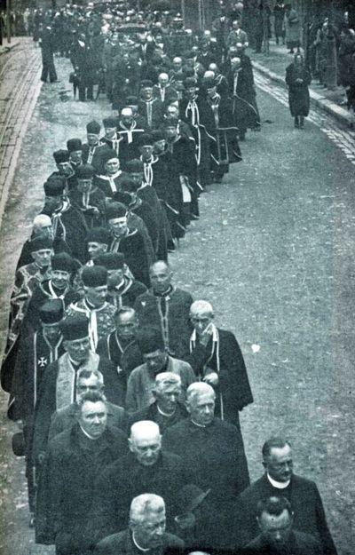 1934 г. Грандиозный Талергофский съезд (15 000 участников) по случаю открытия памятника на Лычаковском кладбище во Львове