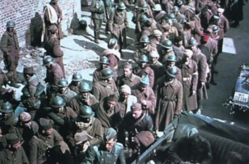 Французские пленные. Немецкая армия разгромила своего противника всего за 40 дней активных боевых действий