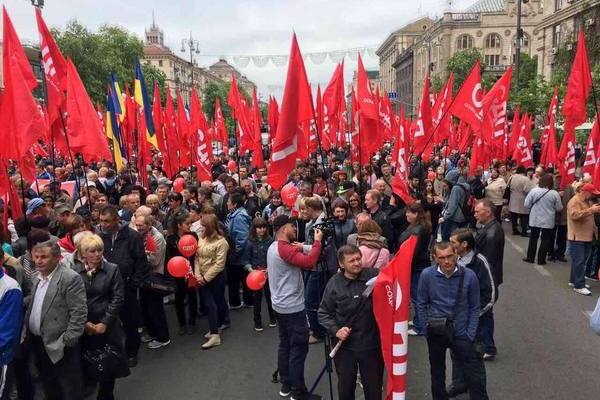 saakashvili_ispugalsya_pervomayskoy_demonstratsii_v_kieve_jest_proval_dekommunizatsii_1211.jpg
