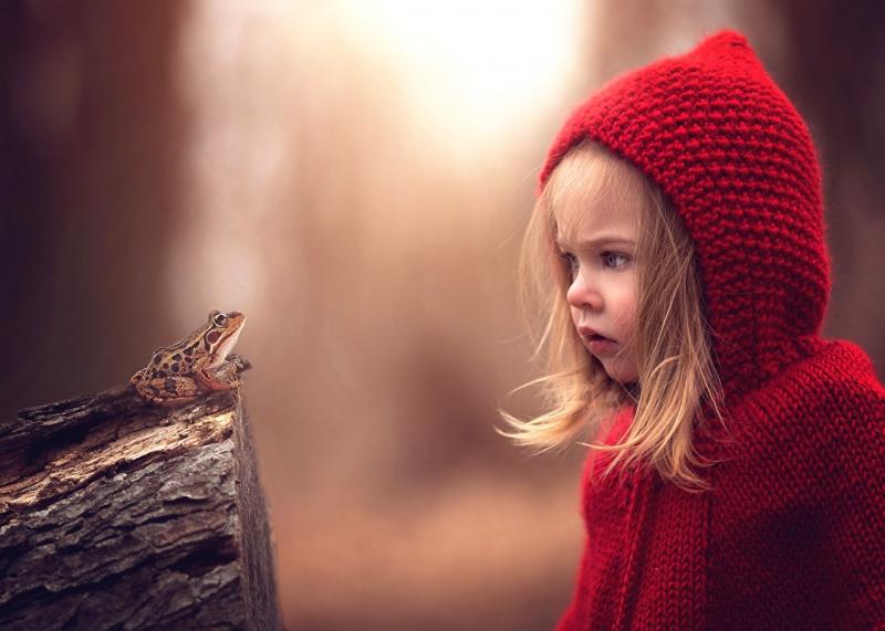 Frogs_Little_girls_Surprise_emotion_Hood_headgear_524695_1280x914.jpg
