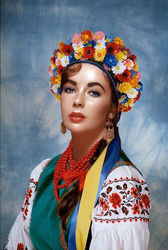 Ukrainian-traditional-dress-elizabeth-taylor-33687931-1000-1488.jpg