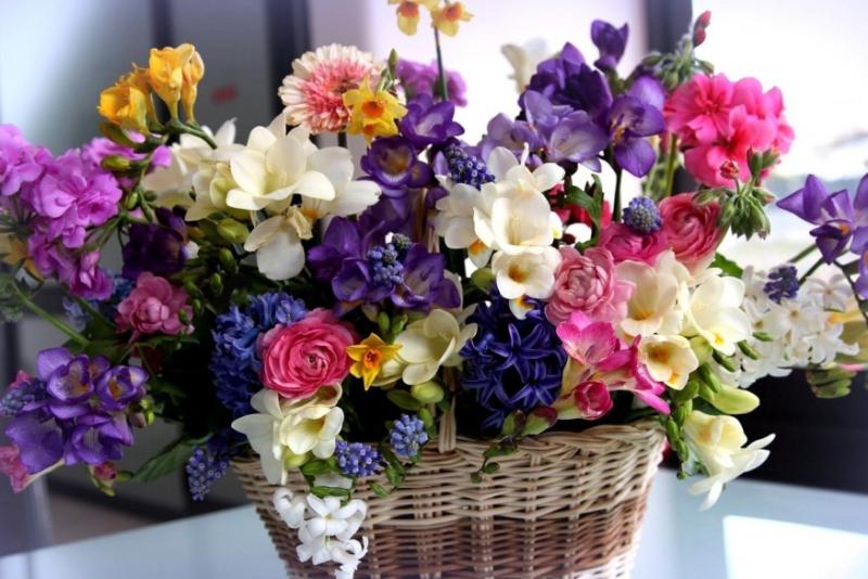 basket-bouquets-1-875x584.jpg
