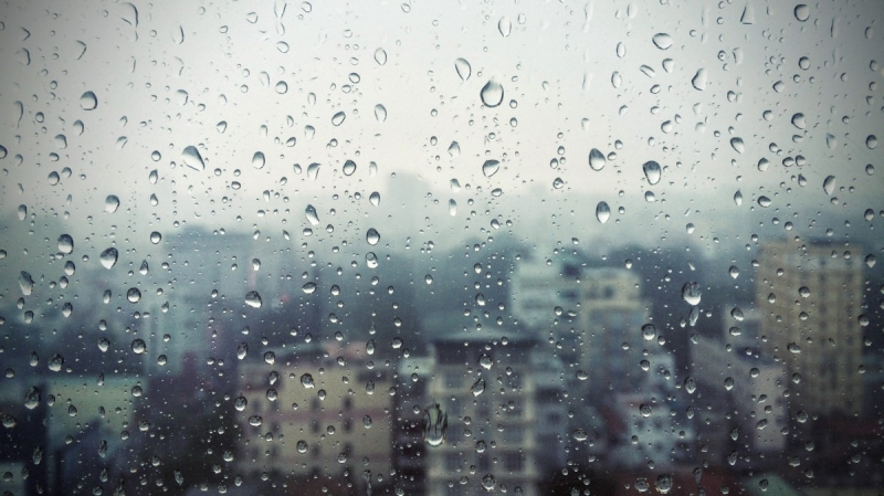 rain_raining_saigon_vietnam_window_glass_drops_urban_view-607507.jpg