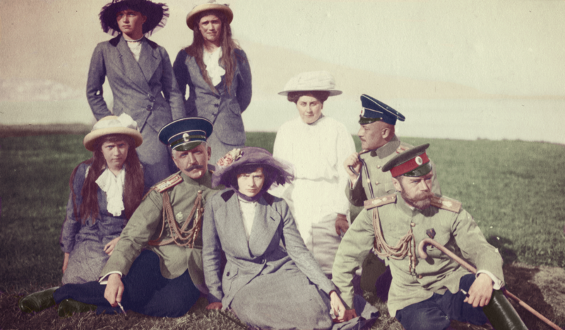 tsar_nicholas_with_his_daughters_by_kraljaleksandar-d756gu9.png